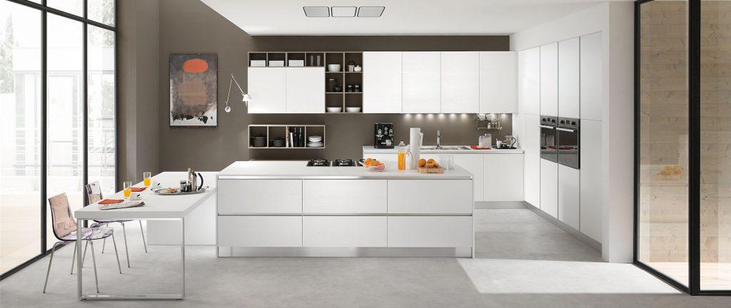 Cucina minimalista. Soluzioni moderne senza maniglie